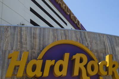 Man dies after falling from Biloxi casino parking garage, police say